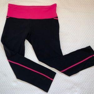 Lululemon Capri Black Fitted Leggings Size 6